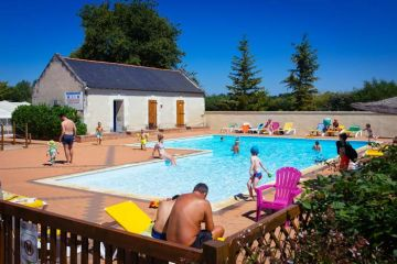 camping-piscine-chauffee-angers